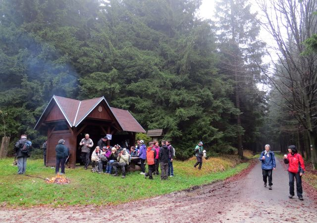 horký čaj přišel turistům vhod; www.svatosi.cz