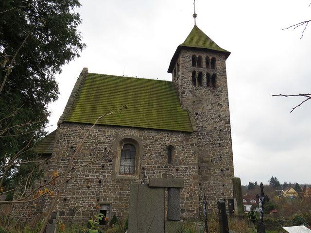 románský kostel sv. Petra a Pavla v Poříčí nad Sázavou