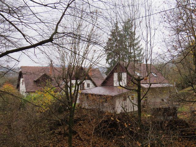 chalupa na Brázdě - rodný dům Jiřího Voskovce