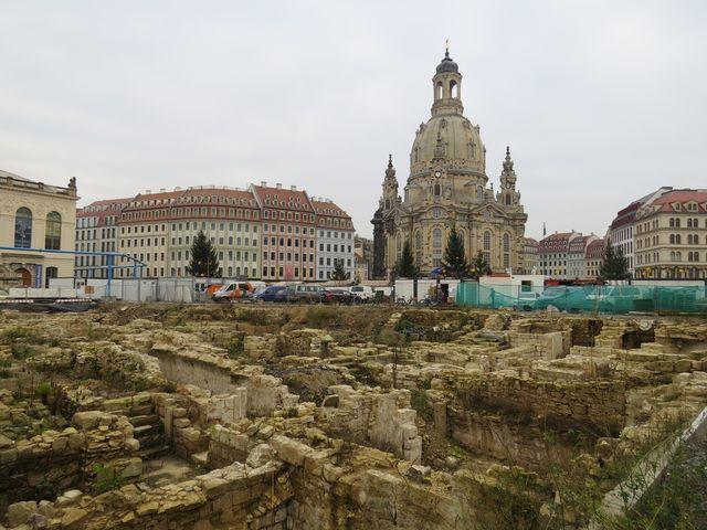 Frauenkirche ve středu města; www.svatosi.cz