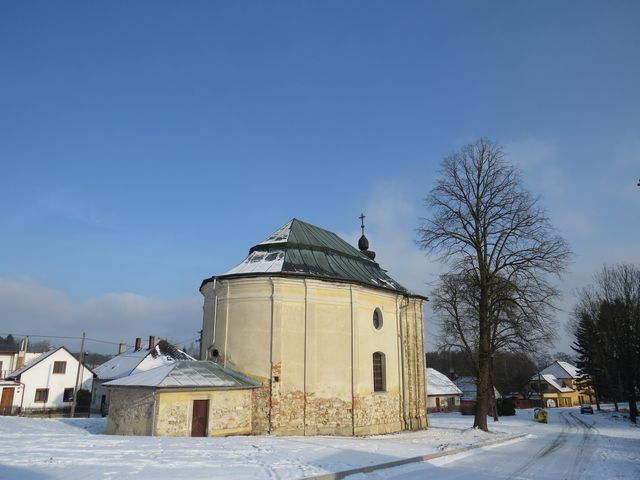 kostel sv. Rodiny v Mirošově