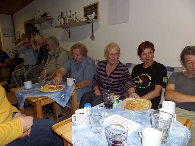 třebíčští, jihlavští a tišnovští turisté - účastníci Posledního puchýře v Benešově