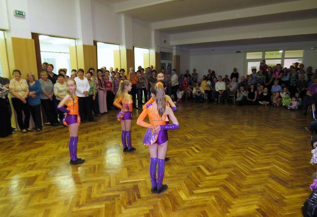 turisté jsou pozorní a vstřícní diváci a posluchači; www.svatosi.cz
