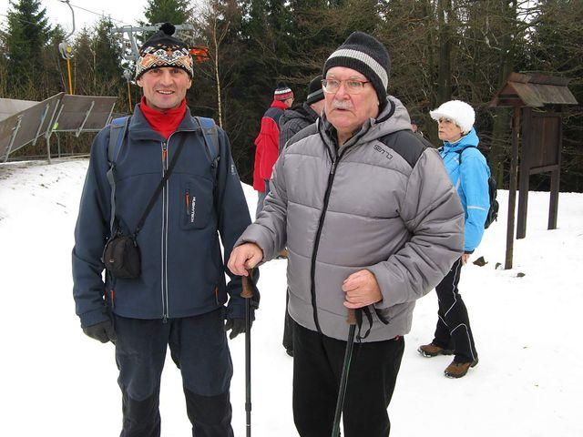 dva vedoucí značkaři, kteří svou činností významně přispěli k tomu, že Vysočina je pro turisty přitažlivá; foto J. Daňhel