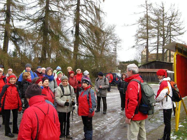 akce se zúčastnili členové všech tří jihlavských odborů KČT i lidé ze širokého okolí; foto J. Daňhel