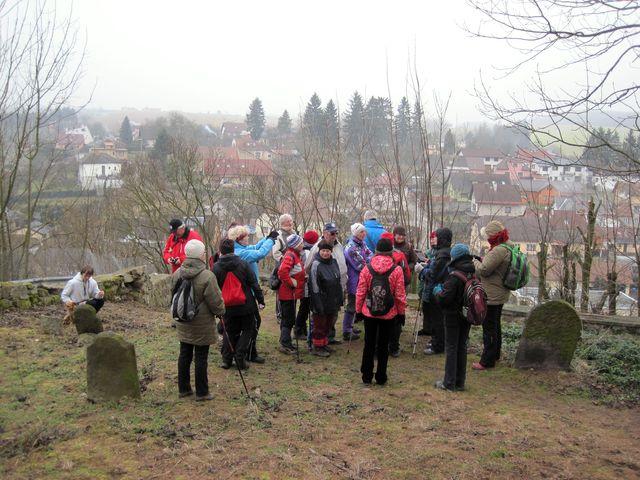 na židovském hřbitově nad Puklicemi; www.svatosi.cz