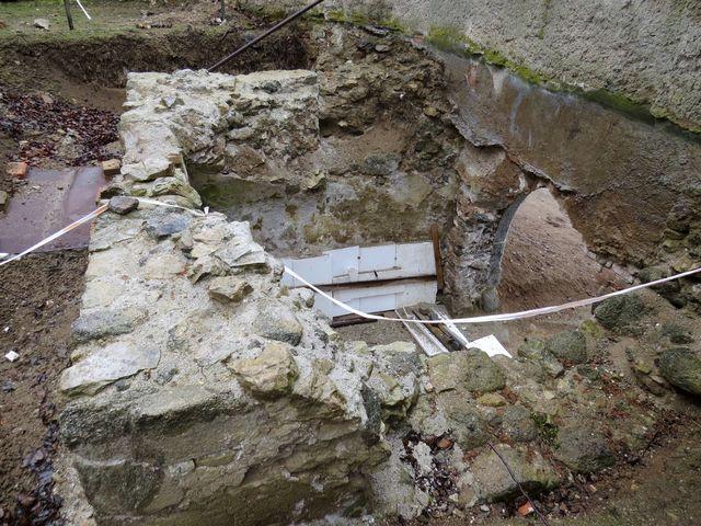 základy gotické věže-zvonice objevené na podzim 2014