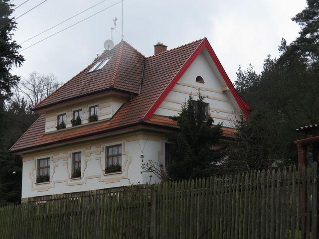 vila Jakuba Demla byla dostavěna v roce 1922 podle projektu architekta Bohuslava Fuchse