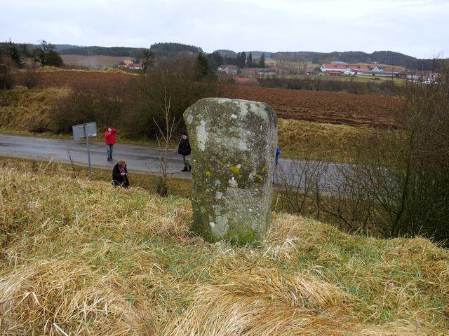 křížový kámen u cesty do Vanče