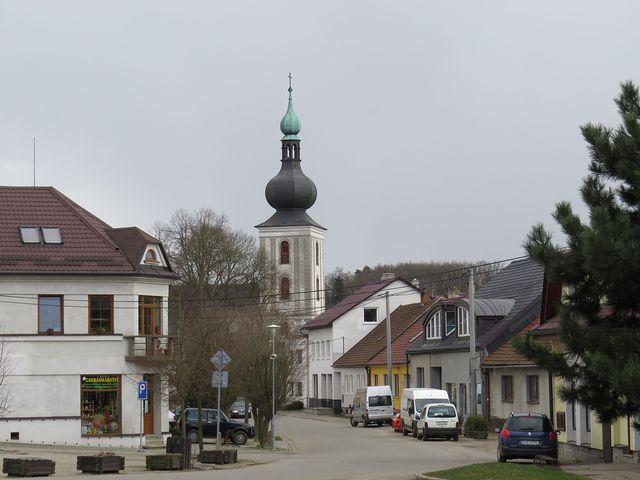 Měřín - věž kostela sv. Jana Křtitele