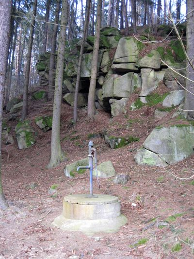 studna, která zásobovala vodou obyvatele Papírny