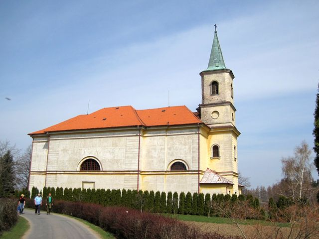 kostel sv. Maří Magdaleny ve Včelákově