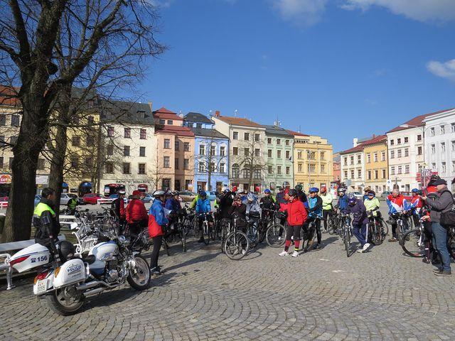 na jihlavské náměstí přijelo 70 cyklistů