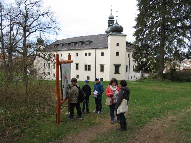 třešťský zámek je obklopen anglickým parkem z poloviny 19. století