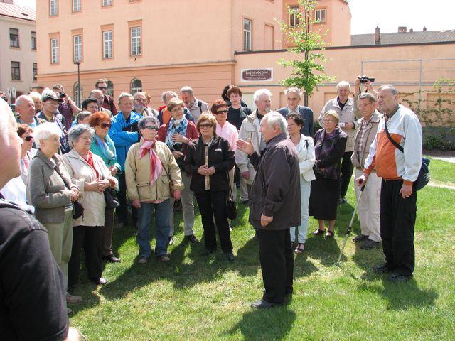 výklad PhDr. Ivana Žlůvy byl velmi zajímavý a poučný; foto F. Janeček