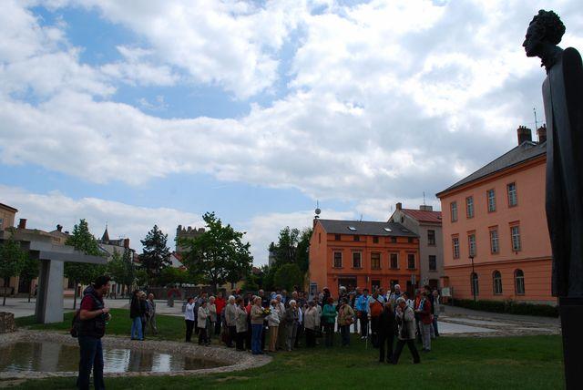účastníci vycházky se scházejí; foto V. Hloupý