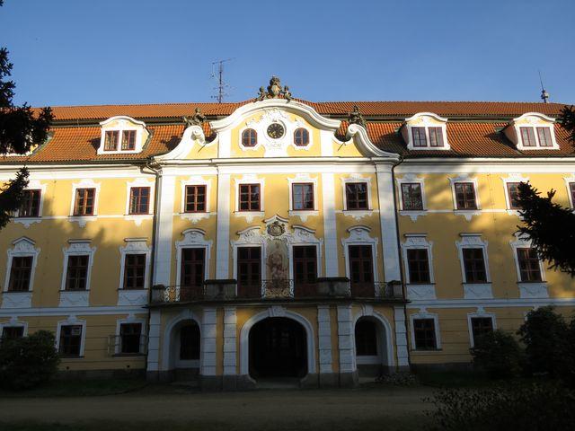 od roku 1861 patřilo panství rodu Habsburků - následník trůnu zde v letních měsících pobýval s rodinou
