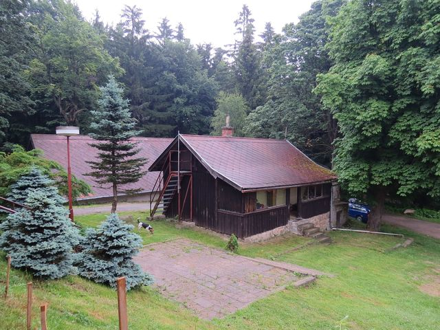 turistická chata z roku 1913; www.svatosi.cz