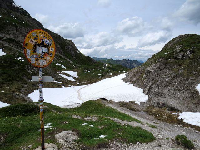 Mädelejoch - sedlo, kudy prochází hranice mezi Rakouskem a Německem