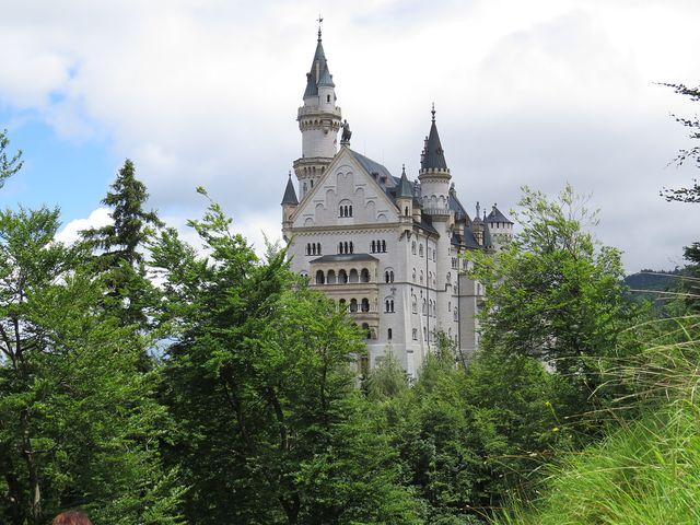 zámek Ludvíka II. Bavorského je krásný ze všech stran
