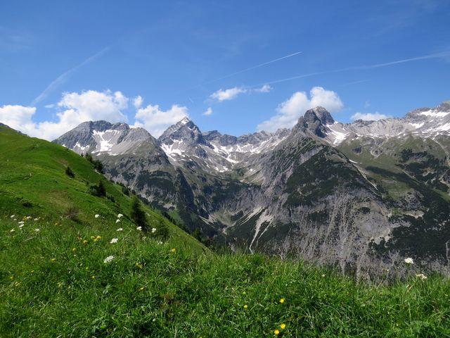 výhled na hřeben Allgäuských Alp