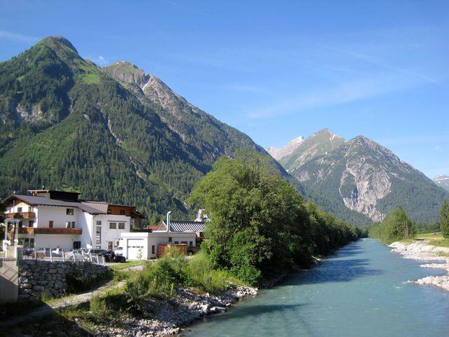 řeka Lech má nádhernou tyrkysovou barvu