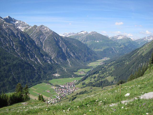 pod námi údolí řeky Lech