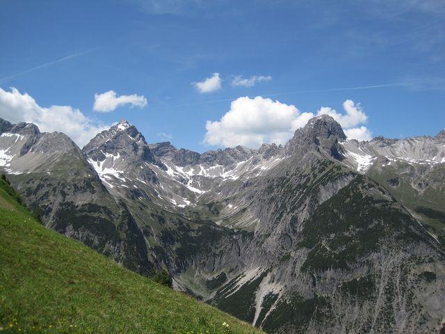 nejvyšší hora Allgäuských Alp je Großer Krottenkopf