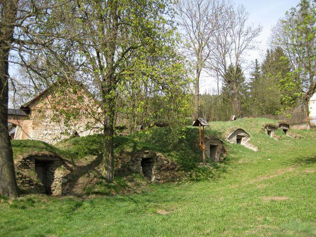 lochy ve Věžničce