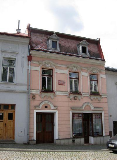 rodný dům spisovatelky Vlasty Pittnerové (1858-1925) - vlasteneckou rodinu navštěvovali B. Němcová a K. H. Borovský