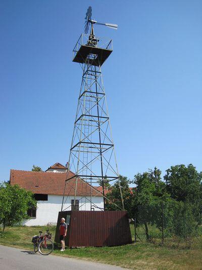 větrné čerpadlo, technická památka v Chlumu; www.svatosi.cz
