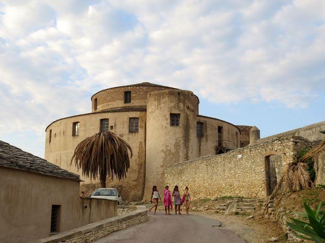 strážní věž hlídala severní pobřeží Korsiky