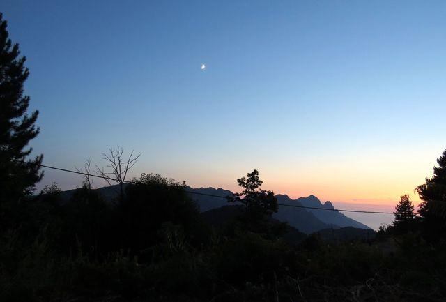 noc v korsických horách
