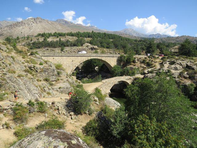 mosty přes řeku Golo