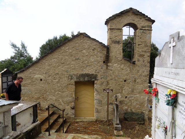 románská kaple sv. Michala na hřbitově i obce Castirla