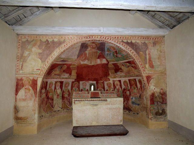 fresky z 15. století jsou prý dílem místního umělce