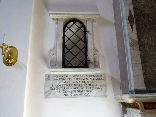obraz sv. Jana Nepomuckého se právě restauruje