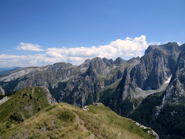 pohoří Prokletije se rozkládá v Černé Hoře, Albánii a Kosovu