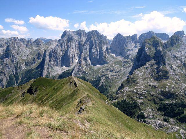 vrcholky Karanfili, čili Karafiátových hor