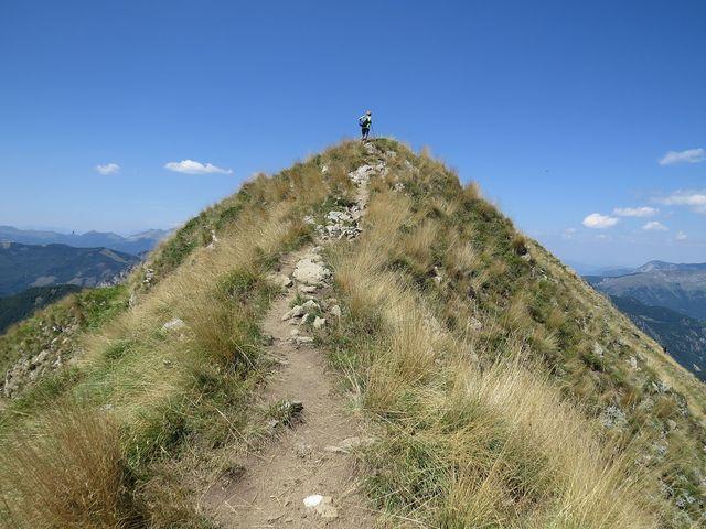 vrcholek hory Popadija, 2 057 m