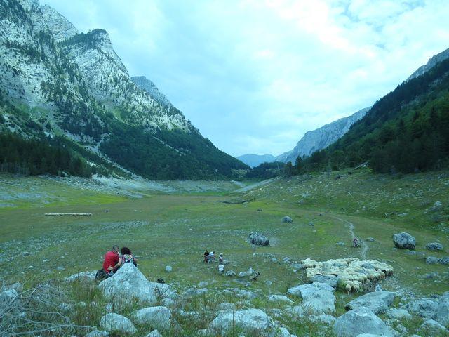 vyschlé jezero na černohorské straně