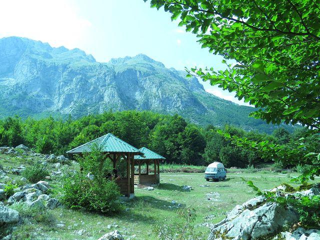 místo pro táboření poblíž Vusanje