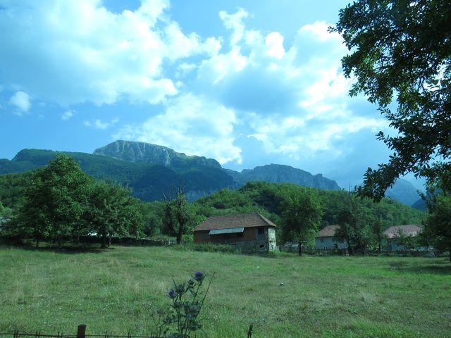 Vusanje je poslední vesnice před hranicí s Albánií