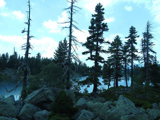 zvláštní atmosféra u ledovcového jezera