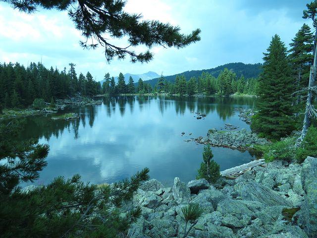 Hridské jezero i jeho okolí jsou jedinečné