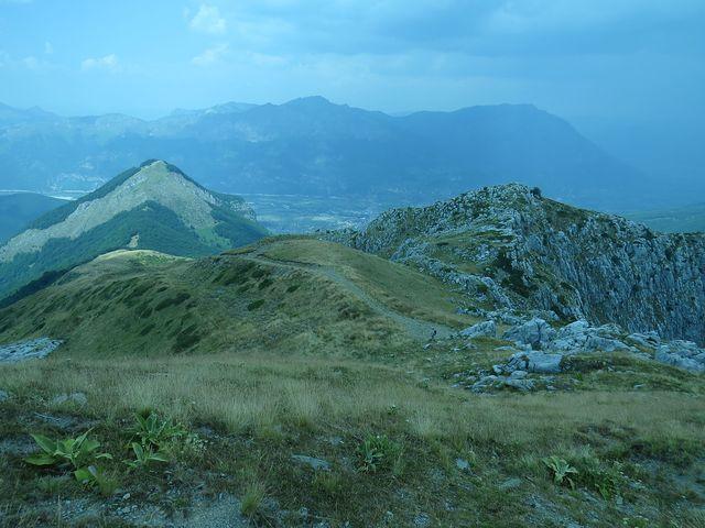 výborná orientace na hřebeni horského masivu