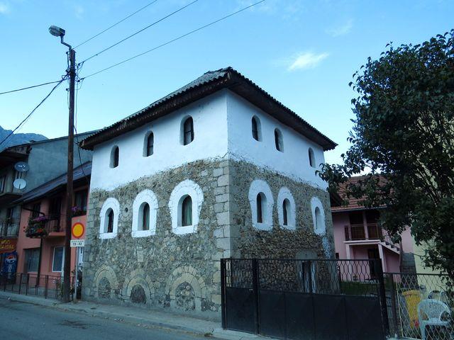 historická stavba v Gusinje