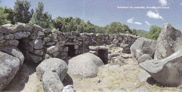 opevněná citadela z doby bronzové (2. tisíciletí př.n.l.)