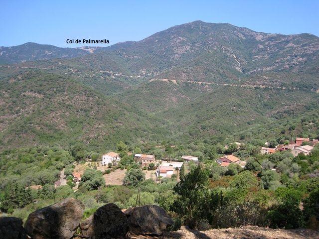 pohled k sedlu Palmarella od městečka Partinello