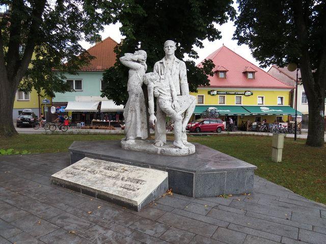 památník obětem Pochodu smrti v roce 1945